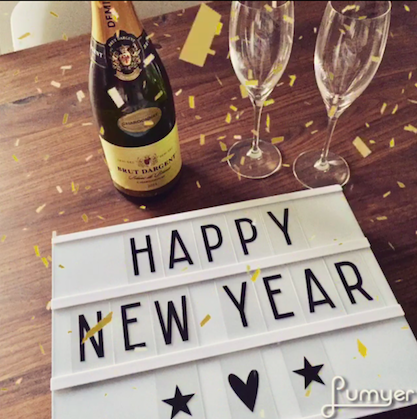 Happy New Year Lightbox mit Champagner